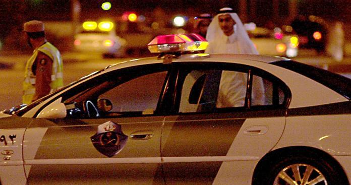 السلطات السعودية تطيح برئيس محكمة وضباط وموظفين عموميين في قضايا فساد