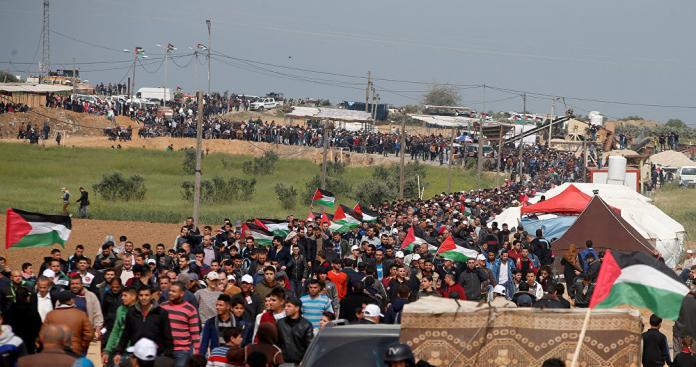"""مقتل 4 فلسطينيين وإصابة 645 آخرين برابع جمعة من """"مسيرة العودة"""""""