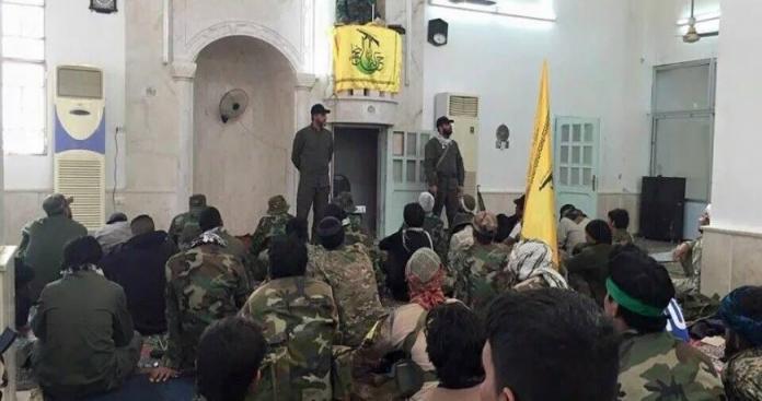 بعد مدينتي البوكمال وديرالزور.. الميليشيات الإيرانية ترفع الآذان الشيعي في منطقة جديدة