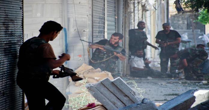 ثوار درعا يستعيدون مقراتهم من تنظيم الدولة ويقتلون قائدهم