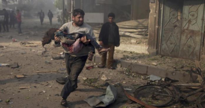 النظام يواصل التصعيد على الغوطة الشرقية ويقصف حرستا بالنابلم