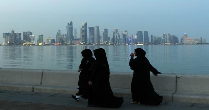 فضيحة جنسية تهز قطر.. طبيب يتحرش بفتيات في مركز طبي شهير (صورة)