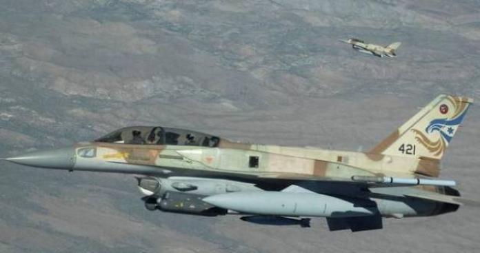 مقتل 12 إيرانيا في الهجوم الإسرائيلي على قاعدتهم قرب دمشق