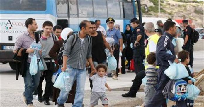 السويد تعلن عن قرار صادم للاجئين السوريين