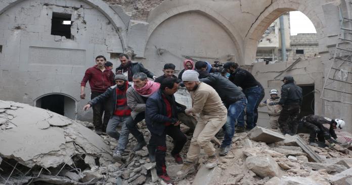 ضحايا مدنيون في تصعيد روسي على إدلب