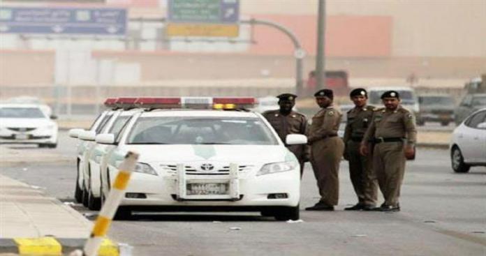 السعودية.. الشرطة تلقت بلاغًا بوجود رائحة بأحد المنازل.. ومفاجأة بعد وصولها للمنزل