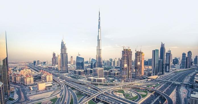 """دبي تدخل موسوعة """"غينيس"""" من جديد بأكبر برواز في العالم ( صور وفيديو)"""