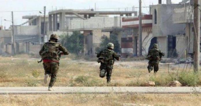 """مصدر عسكري يكشف لـ""""الدرر الشامية"""" حقيقة انشقاق 20 عنصرًا من """"قوات الأسد"""" شرقي إدلب"""