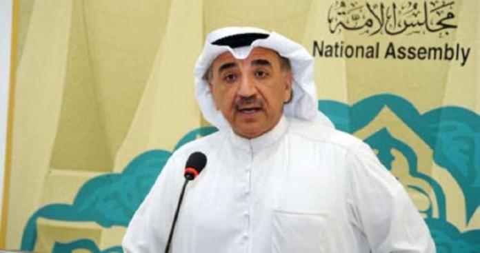 نائب كويتي عن دولة عربية: يأخذون منح بالمليارات ليكرموا ممثلات وشعبهم جائع