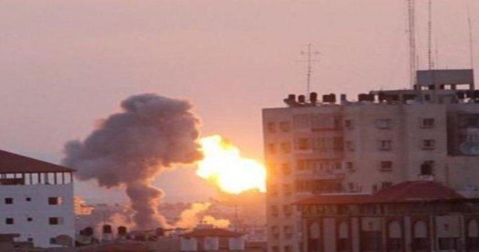 الاحتلال يشن سلسلة غارات على غزة.. والمقاومة ترد بقصف المستوطنات