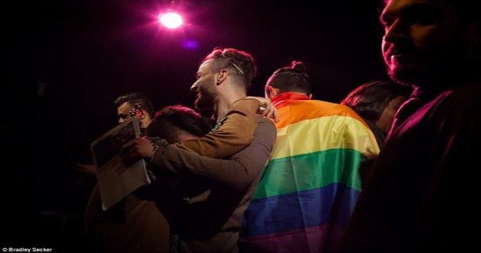 """""""المثليين"""" يخرجون إلى العلن تحت بصر النظام بدمشق"""
