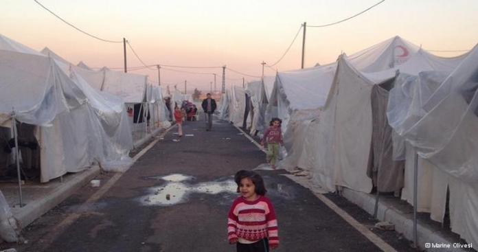 اللاجئون السوريين بالأردن .. في أرقام