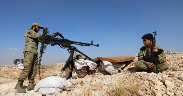 """بعد رفضها الهدنة المزعومة..""""الجبهة الوطنية"""" تلقن قوات الأسد درسًا قاسيًا على جبهات حماة"""