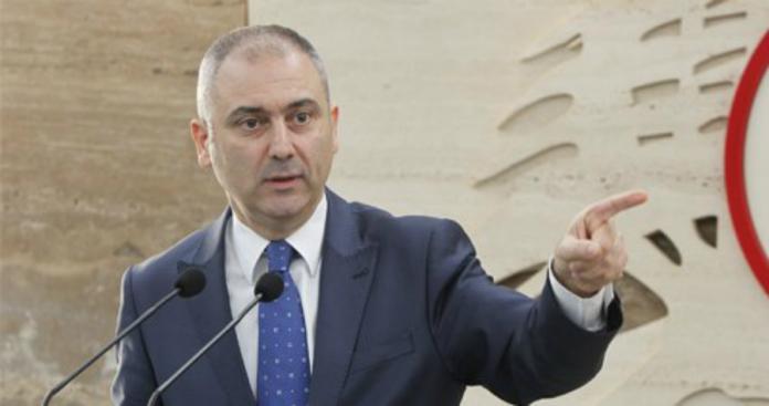"""رئيس حزب لبناني يوجِّه طلبًا غريبًا لـ""""نظام الأسد"""" بخصوص اللاجئين"""