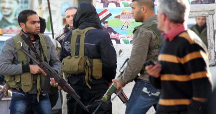 ما وراء الاشتباكات المسلحة في عين الحلوة؟
