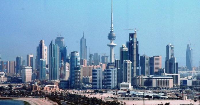الكويت تصدم الوافدين بقرار مفاجئ