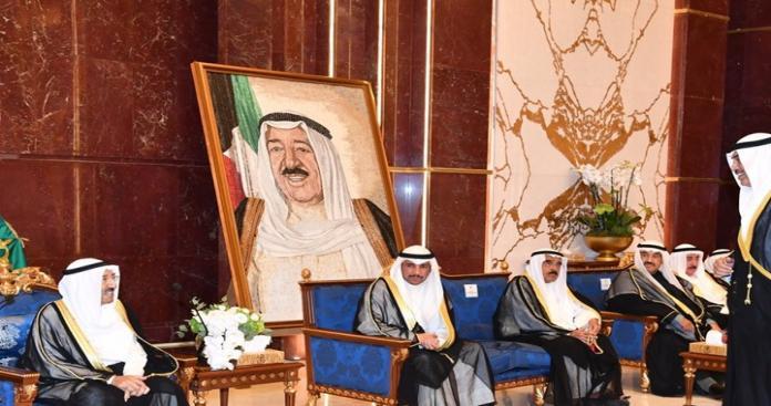 أمير الكويت يكشف حقيقة خطورة الأوضاع بالمنطقة في لقاءه مع دبلوماسيين