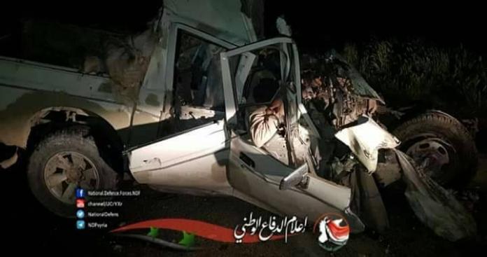 """انشطار سيارة """"بيك آب"""" تقل عناصر من """"قوات الأسد"""" إلى نصفين في دير الزور (صور)"""