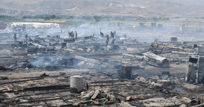 9 قتلى في حريق بمخيم للاجئين السوريين بلبنان