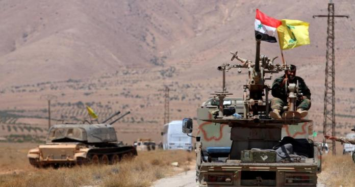 تقرير: حزب الله يبني قوة عسكرية في القنيطرة دون علم نظام الأسد