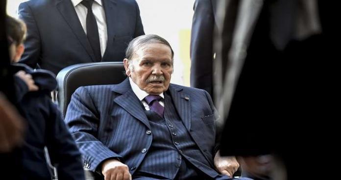 أنباء عن تدهور صحة الرئيس الجزائري.. ونقله لفرنسا للعلاج