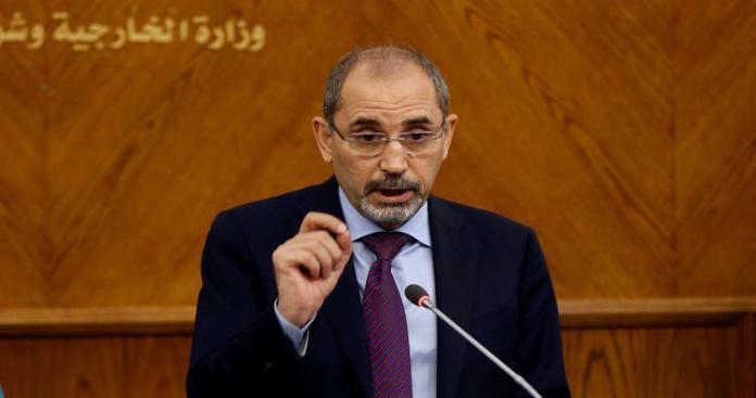 """وزير خارجية الأردن يُحدِّد أزمة خطيرة في سوريا: """"يجب إنهائها قبل عودة اللاجئين"""""""