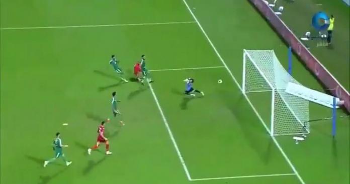 """مفاجأة غير متوقعة في مباراة نصف """"نهائي خليجي24"""" بين البحرين والعراق (صور)"""
