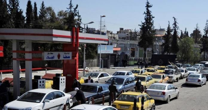 أزمة البنزين تتفاقم في دمشق وتتسبب بإغلاق وسط العاصمة (صور)