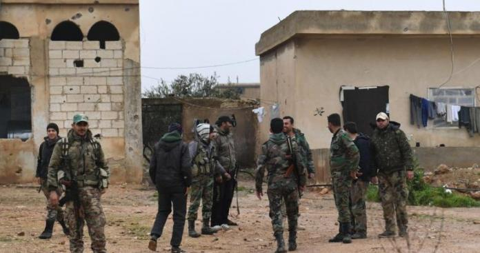 """منشورات ورقية تبث الرعب بين قوات النظام وعناصر """"المصالحات"""" في درعا"""