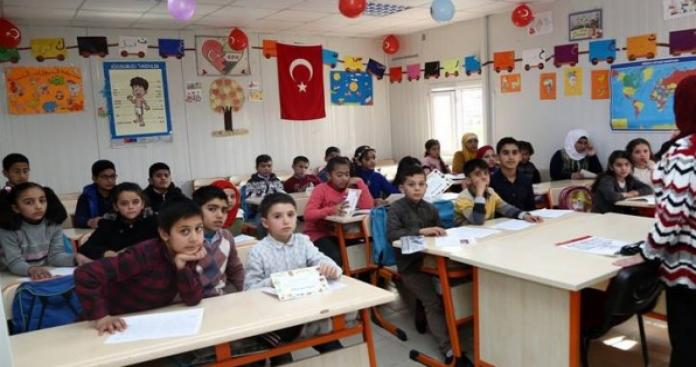 ولاية تركية تبني 25 مدرسة للسوريين