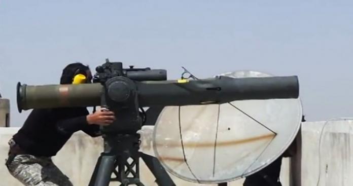 """صواريخ الثوار تقلب المعادلة في معارك حماة.. و""""مجزرة"""" جديدة لدبابات الأسد"""