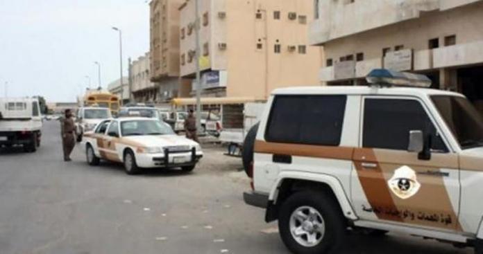 عري وأفعال صادمة في أماكن عامة.. ضبط مجموعة رجال ونساء مخالفين بالسعودية