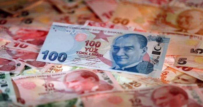 بعد انهيار الليرة.. أردوغان يطيح بمحافظ البنك المركزي
