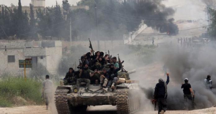 قيادي بالجبهة الوطنية يوضح أسباب هزيمة روسيا في معارك حماة وإدلب