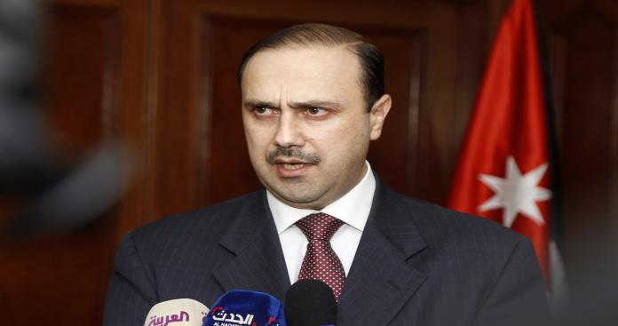 الحكومة الأردنية تبحث فتح المعابر مع سوريا