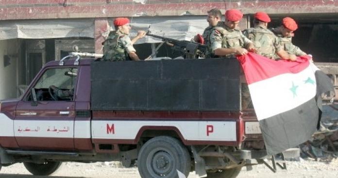 في حادثة غريبة.. سيارة سياحية تدهس عناصر من شرطة النظام في دمشق