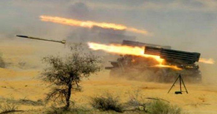"""أمطار من القذائف تستهدف """"قوات الأسد"""" بريفي إدلب وحماة.. وإصابة لواء بارز موالي لروسيا"""