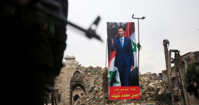 """مجلة أمريكية تتحدث عن أخطر أسلوب حربي لـ""""نظام الأسد"""": يُدمرَّ السوريين بلا أسلحة"""