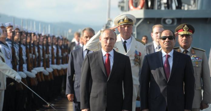 """تقرير أمني: طائرة روسية تجهزت لنقل """"الأسد"""" إلى دولة عربية.. خطة لـ""""بوتين والسيسي"""""""