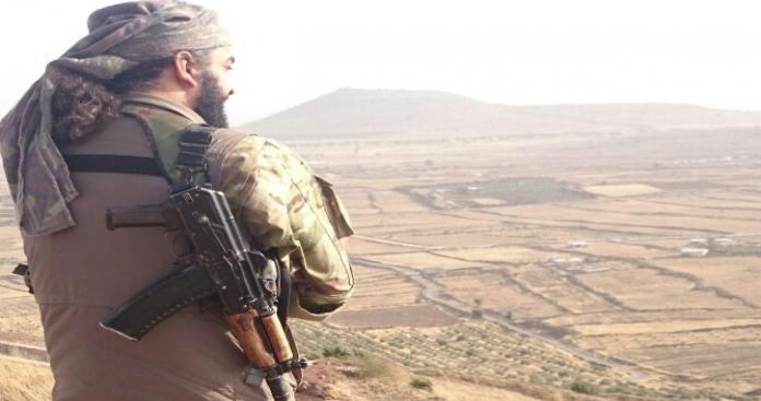"""""""القحطاني"""" يدعو """"فقهاء داعش"""" لمناظرة علنية على قناة الجزيرة بدون """"لثام"""""""