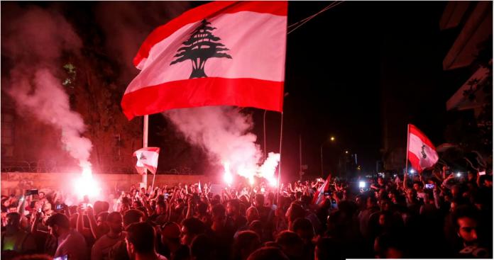 """تغريدة مثيرة لمستشار """"ابن زايد"""" بشأن قرار تركيا ترحيل عناصر تنظيم الدولة وعلاقته باحتجاجات لبنان"""