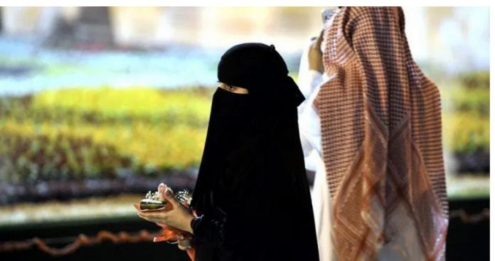 فتاة سعودية ترفع قضية ضد والدها..وتكشف مفاجأة صادمة