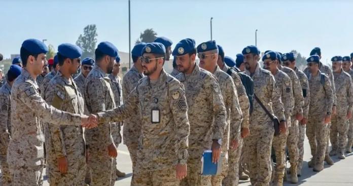 أبرزها السبحة .. السعودية تفاجئ العسكريين بسلسلة محظورات