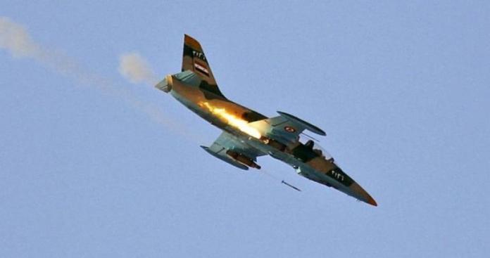 """فصائل """"الفتح المبين"""" تصطاد طائرة حربية لـ""""نظام الأسد"""" في إدلب وتأسر الطيار"""