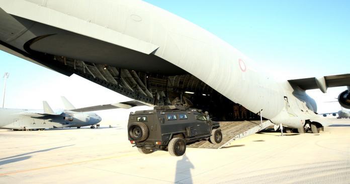 طائرات عسكرية قطرية تحمل معدات عسكرية وتتجه إلى هذه الدولة