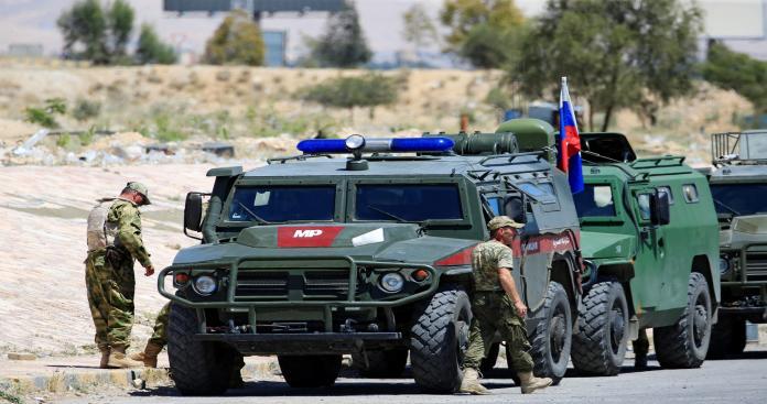 روسيا تسير أول دورية عسكرية في منبج.. وتوضح طبيعة عملها
