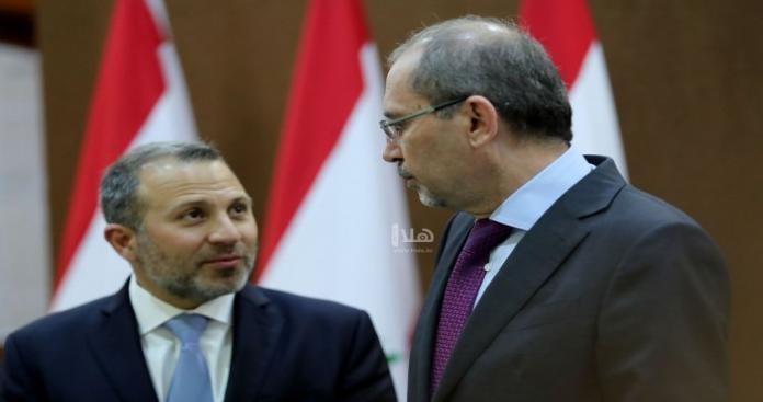 وزير الخارجية اللبناني يُهين اللاجئين السوريين.. ونظيره الأردني يُحرجه