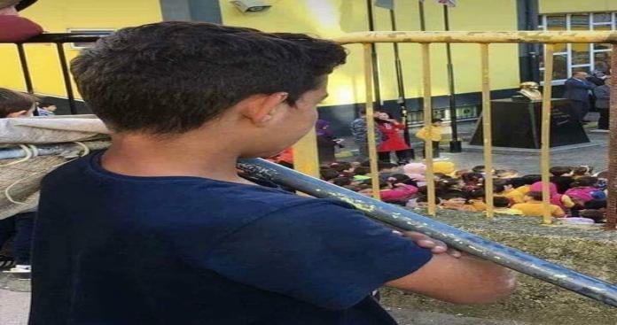 صورة طفل سوري تهز ضمير المجتمع التركي ( شاهد)