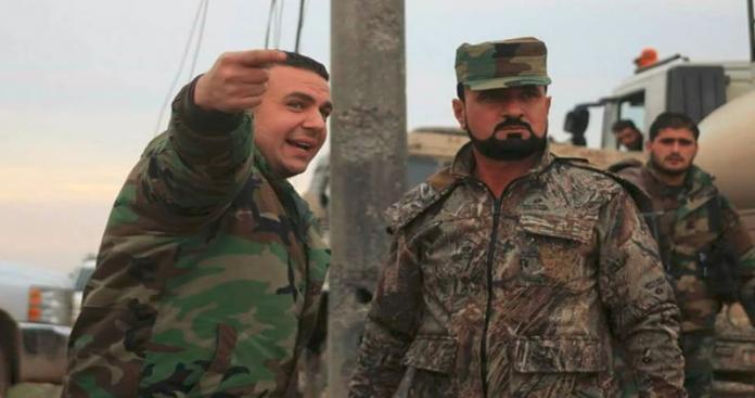 فضيحة.. سهيل الحسن يظهر مع أحد عناصره بطريقة لا أخلاقية (صورة)