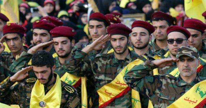 """نيويورك تايمز تكشف عن قرارات صعبة من إيران تجاه ميليشيا """"حزب الله"""" اللبناني"""